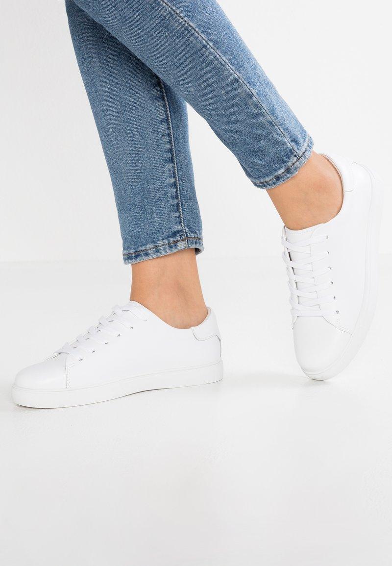 Shoe The Bear - ELLA - Zapatillas - white