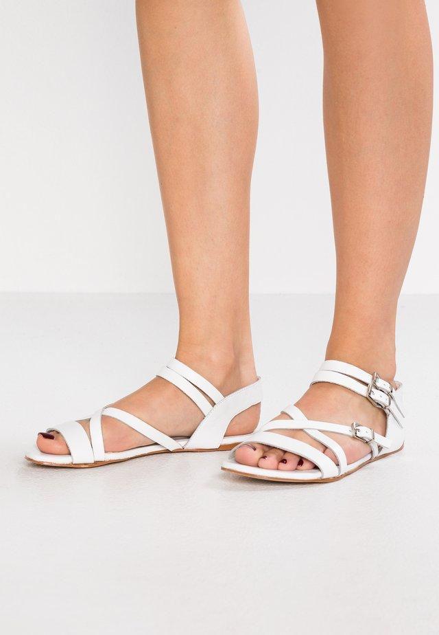 TANNY BUCKLE - Sandaler - white