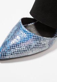 Shoe The Bear - SELMA SNAKE - Pantolette hoch - blue - 2