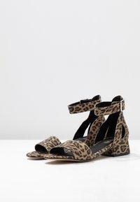 Shoe The Bear - YASMIN LEO  - Sandály - brown - 4
