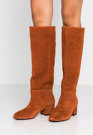 SOPHY TALL BOOT - Støvler - brown