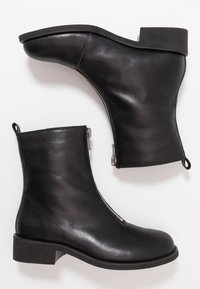 Shoe The Bear - JO FRONT ZIP - Classic ankle boots - black - 3