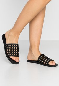 Shoe The Bear - TAO CAGE - Pantofle - black - 0