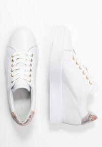 Shoe The Bear - AVA GRAIN INNER WEDGE  - Joggesko - white - 3