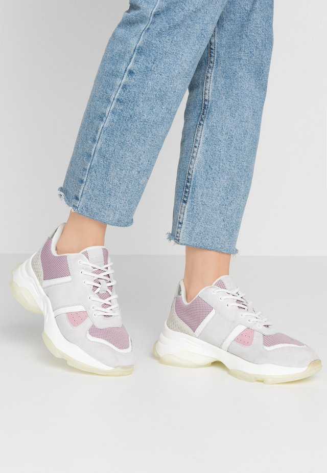 ROMINA - Sneakersy niskie - lilac