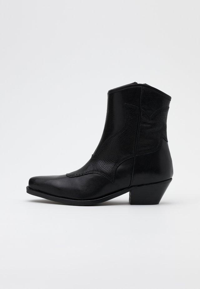 ARIETTA LIZARD - Cowboy/biker ankle boot - black