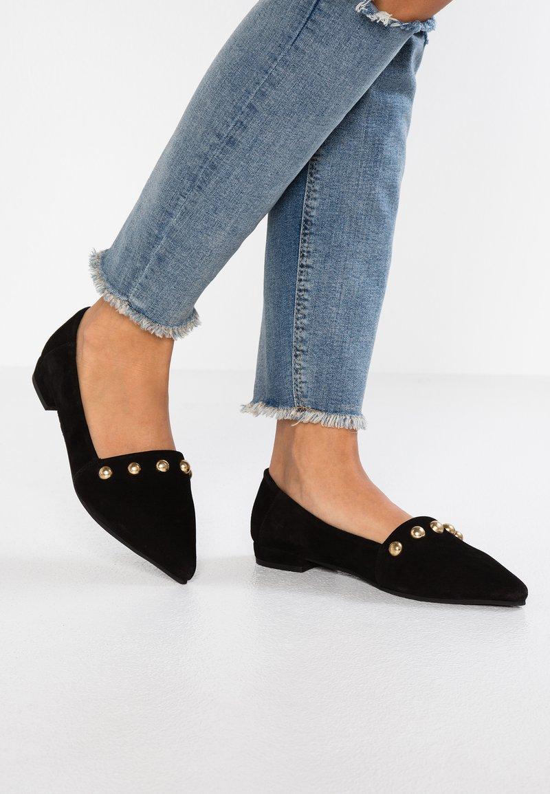Shoe The Bear - ZOLA STUDS - Slipper - black