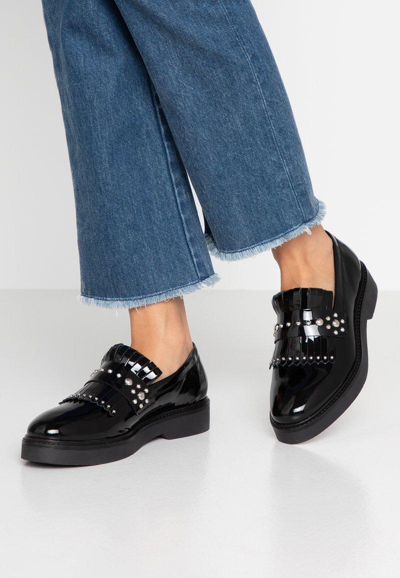 Shoe The Bear - BILLIE FRINGES - Slipper - black
