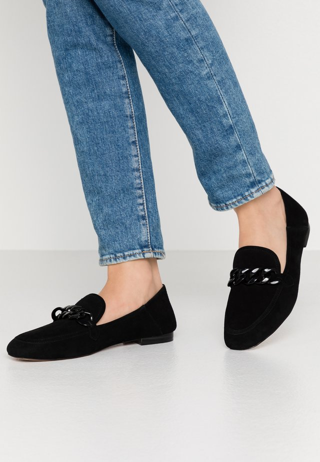 LUNA CHAIN  - Loaferit/pistokkaat - black
