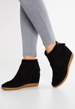 EMMY  - Ankelstøvler - black