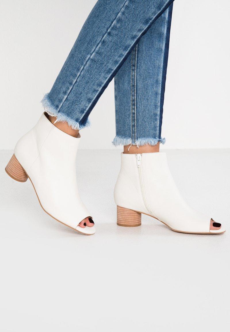 Shoe The Bear - AYA PEEP TOE - Ankle Boot - white