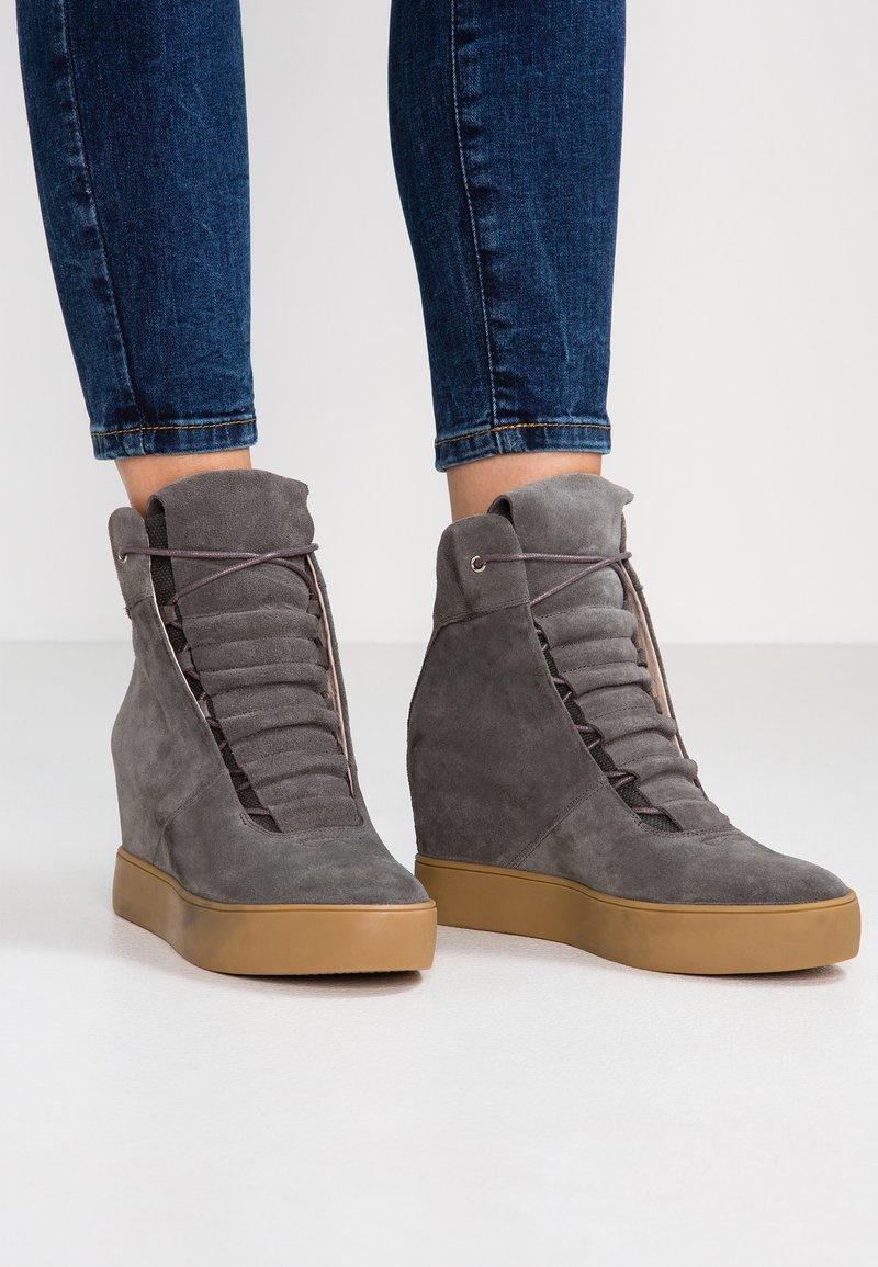 Shoe The Bear - TRISH  - Sneakers alte - grey