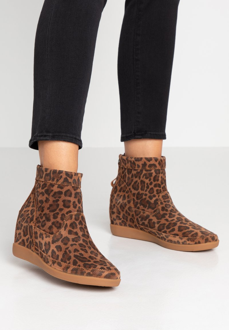 Shoe The Bear - EMMY LEO - Ankle boots - brown