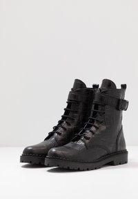 Shoe The Bear - HAILEY LACE UP CROCO - Stivaletti stringati - black - 4