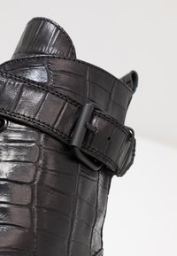 Shoe The Bear - HAILEY LACE UP CROCO - Stivaletti stringati - black - 2