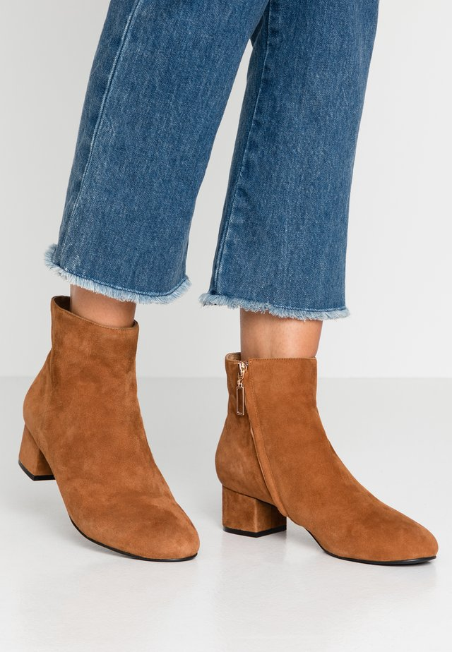 VICKY  - Classic ankle boots - brown