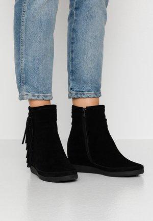 EMMY FRINGES - Boots à talons - black