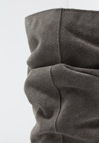 Shoe The Bear - EMMY SLOUCHY - Wedge boots - dark grey - 2