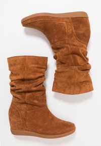 Shoe The Bear - EMMY SLOUCHY - Wedge boots - brown - 3