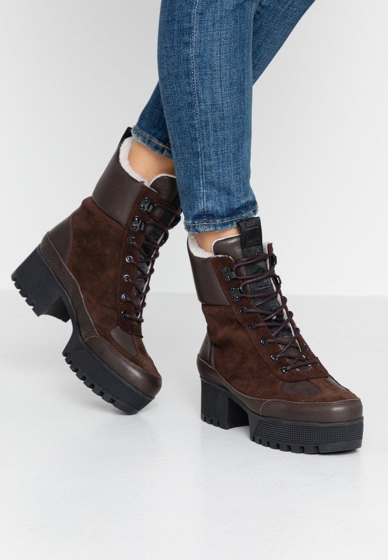 Shoe The Bear - CELESTE HIKE - Platåstövletter - brown