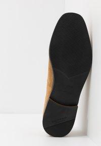 Shoe The Bear - REY - Eleganckie buty - camel - 4