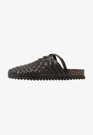 PABLO - Slippers - black
