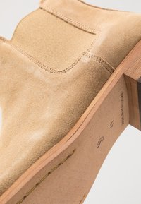 Shoe The Bear - DEV - Classic ankle boots - sand - 5