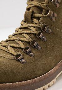 Shoe The Bear - LAWRENCE - Šněrovací kotníkové boty - verde - 5