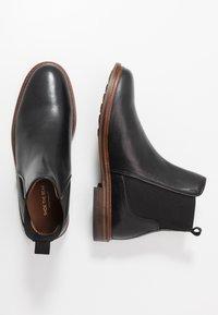 Shoe The Bear - WYATT - Kotníkové boty - black - 1