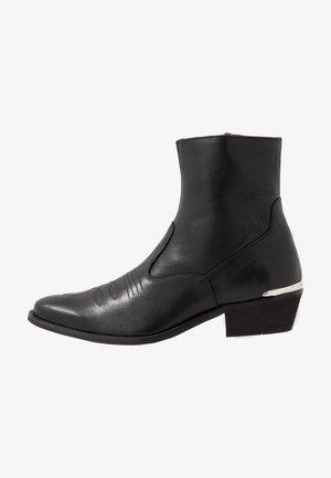 ENZO - Korte laarzen - black