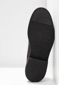 Shoe The Bear - PARRISH  - Stringate - black - 4