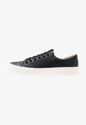 BUSHWICK - Sneakers basse - black