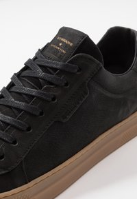 Schmoove - SPARK CLAY - Trainers - black - 5