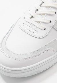 Schmoove - EVOC - Trainers - white - 5
