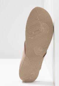 Scholl - TIST 2.0 - T-bar sandals - beige - 6