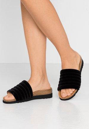 MYA  - Pantoffels - black