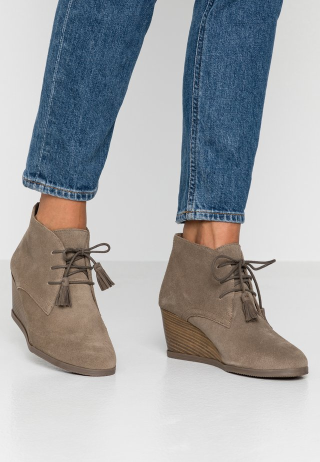 GRIEL - Boots à talons - dark taupe