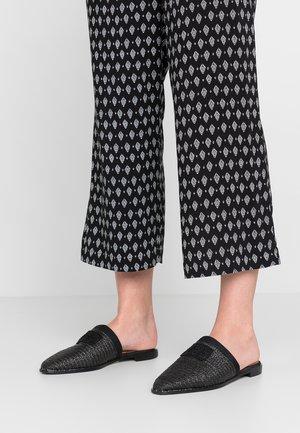 KALIN - Pantofle - black