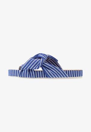 YOLIN  - Sandaler - blue striped