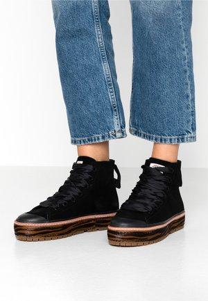 LEA MID LACE BOOT - Kotníková obuv - black