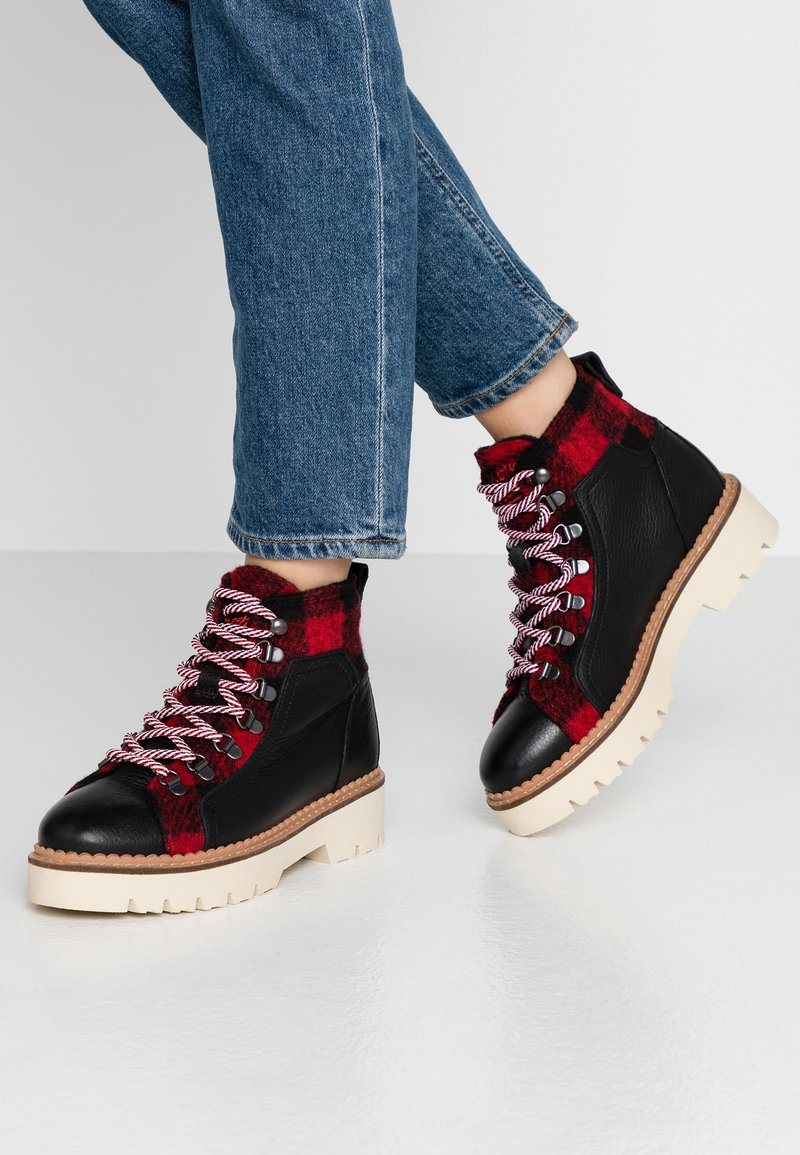 Scotch & Soda - OLIVINE LOW LACE SHOES - Ankle boots - black/red