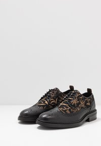 Scotch & Soda - MERAPI LOW LACE SHOES - Oksfordki - black/green - 2