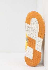 Scotch & Soda - VIVEX - Trainers - yellow - 4