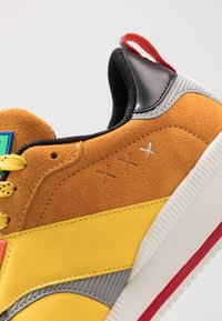 Scotch & Soda - VIVEX - Trainers - yellow - 5