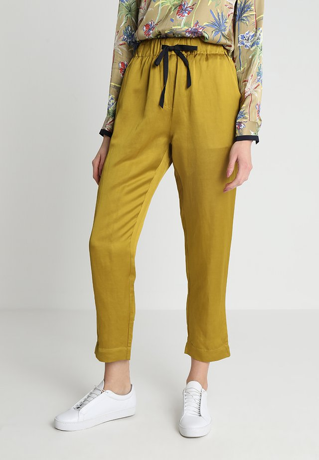 TAILORED PANTS - Stoffhose - bamboo