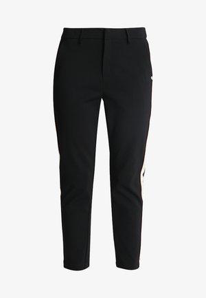 MIT KONTRAST SEITENBLENDE - Trousers - black