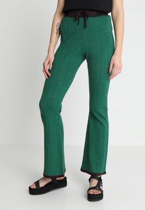 ZIG ZAG FLARE LEG PANTS - Bukse - combo