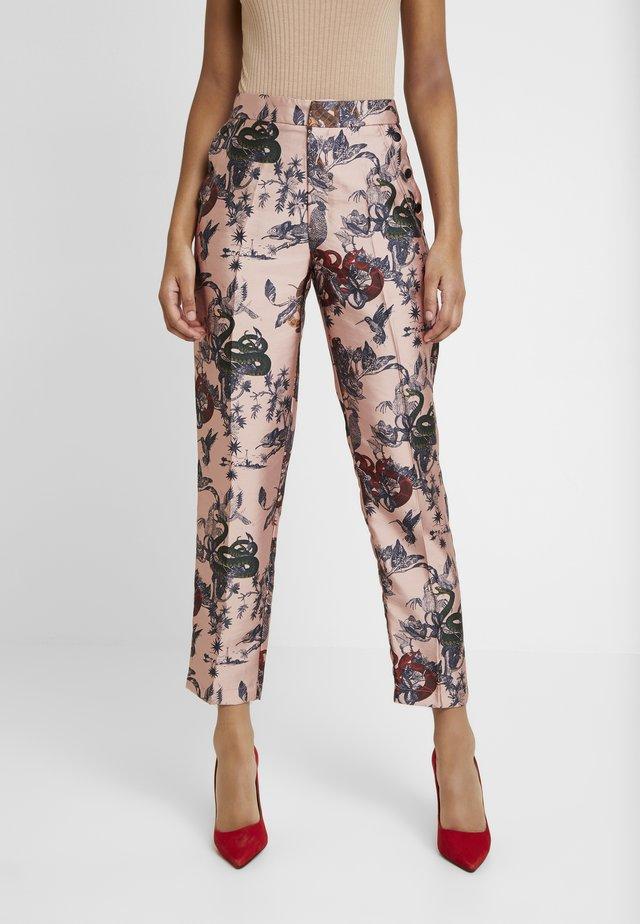 PRINTED PANTS IN SHINY QUALITY - Broek - pink