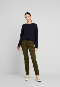 Scotch & Soda - Chinot - army - 1