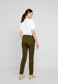 Scotch & Soda - Chinot - army - 2